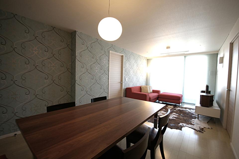 A.T Apartment / A.T邸